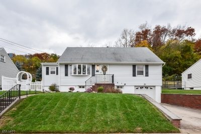 Totowa Boro Single Family Home For Sale: 66 Barnert Ave