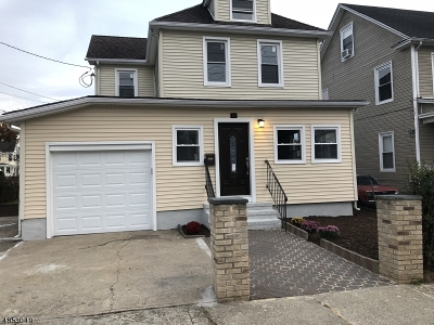 Dover Town Single Family Home For Sale: 14 Oak St