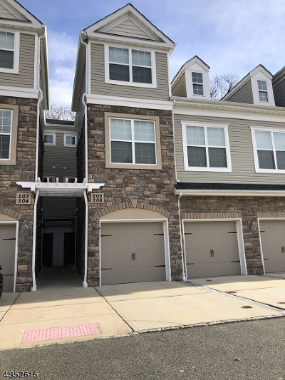 Morris Plains Boro Condo/Townhouse For Sale: 205 Welsh Pl