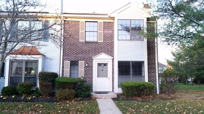 Bernards Twp., Bergenfield Boro Condo/Townhouse For Sale: 339 Penns Way #339