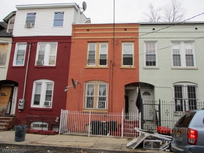 North Newark Single Family Home For Sale: 108 Highland Ave