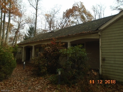 Wyckoff Twp. Single Family Home For Sale: 405 Carriage Ln
