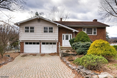Wayne Twp. Single Family Home For Sale: 19 Surrey Dr