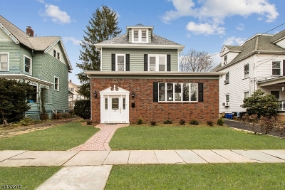 Bloomfield Twp. Single Family Home For Sale: 31 Benson St