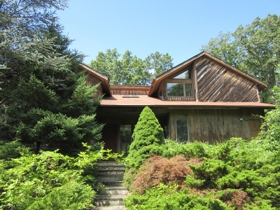 Single Family Home For Sale: 39 Hilltop Rd