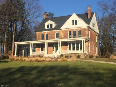 Wyckoff Twp. Single Family Home For Sale: 143 Elmwood Pl