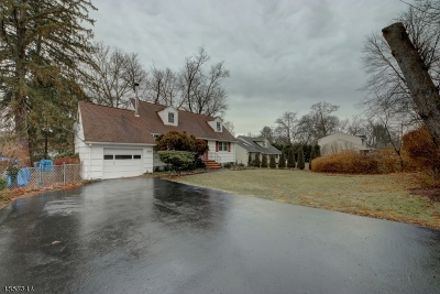 Passaic County Single Family Home For Sale: 40 Wanaque Rd