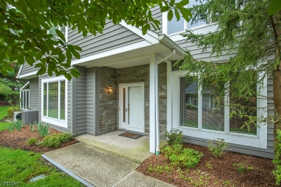 Wyckoff Twp. Condo/Townhouse For Sale: 228 Barnstable Dr