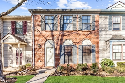 Franklin Twp. Condo/Townhouse For Sale: 11 Lyon Ln