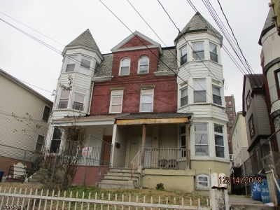 North Newark Multi Family Home For Sale: 366 Summer Ave