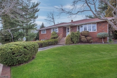 Totowa Boro Single Family Home For Sale: 4 Peterson Rd