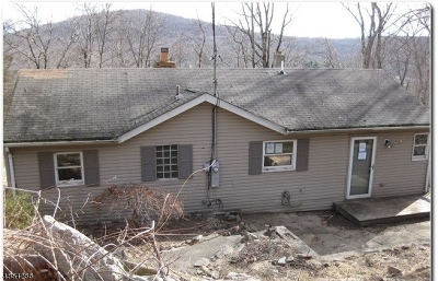 Boonton Twp. Single Family Home For Sale: 11 Rosewood Ln
