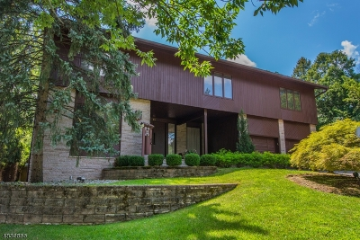 West Orange Twp. Single Family Home For Sale: 18 Crestwood Drive