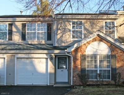 Franklin Twp. Condo/Townhouse For Sale: 208 Learnington Way