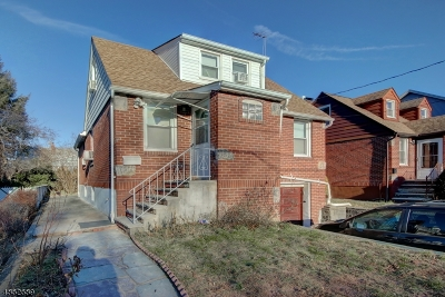 Passaic City Single Family Home For Sale: 74 Kensington Ter