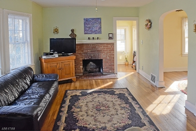 Morristown Town, Morris Twp. Single Family Home For Sale: 83 Valley View Dr