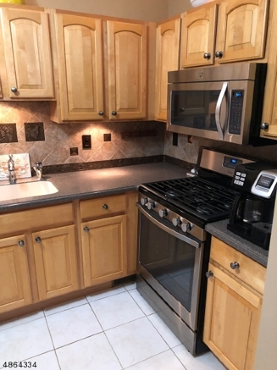 Nutley Twp. NJ Condo/Townhouse For Sale: $409,000