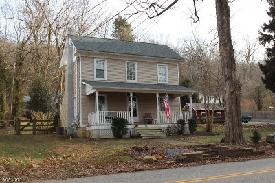 Lebanon Twp. Single Family Home For Sale: 142 Musconetcong River Rd