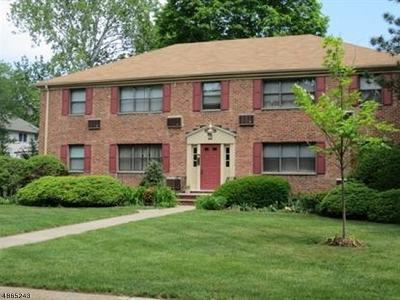 Westfield Town Condo/Townhouse For Sale: 44b Sandra Circle #4
