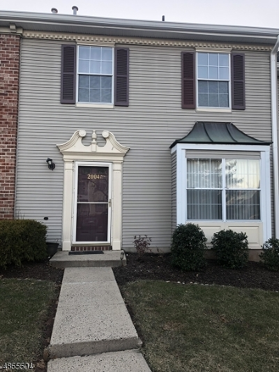Bridgewater Twp. Condo/Townhouse For Sale: 2004 Doolittle Dr