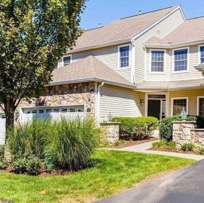 Livingston Twp. Condo/Townhouse For Sale: 30 Pebble Beach Dr