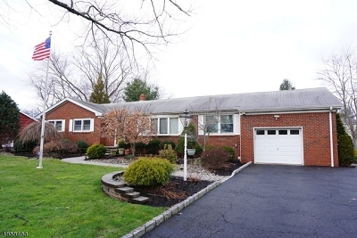Clark Twp. Single Family Home For Sale: 148 Stonehenge Ter
