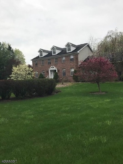 Vernon Twp. Single Family Home For Sale: 2 Thunder Rd