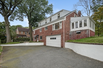 West Orange Twp. Single Family Home For Sale: 68 Mountain Ave