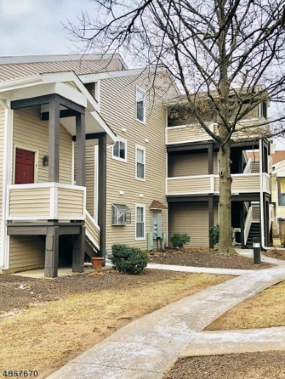 Union Twp. Condo/Townhouse For Sale: 221 Broadmoor Ct Unit 6