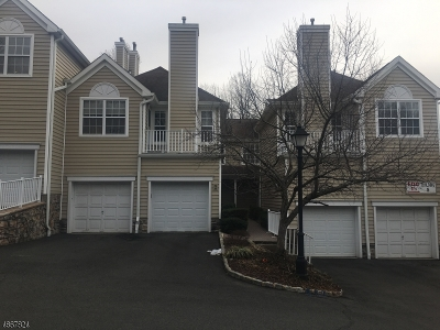 Berkeley Heights Condo/Townhouse For Sale: 38 Springholm Drive #38