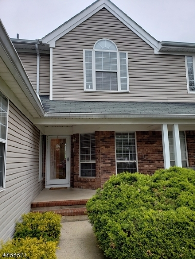 Readington Twp. Condo/Townhouse For Sale: 25 Daisy Ct
