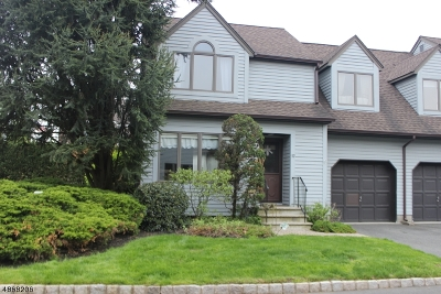 Scotch Plains Twp. Condo/Townhouse For Sale: 32 Village Park Ct #32