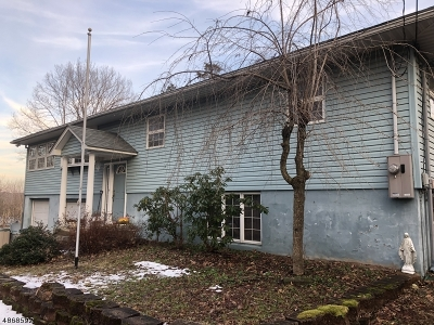 Single Family Home For Sale: 72 Lawrence Rd
