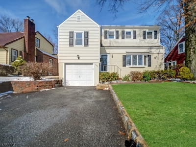 Union Twp. Single Family Home For Sale: 752 Suburban Rd