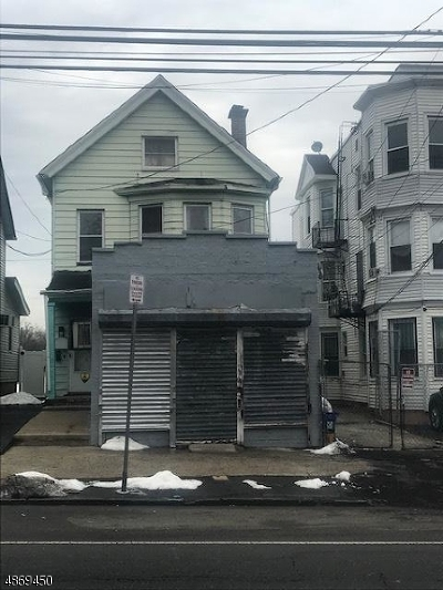 Newark City Multi Family Home For Sale: 263 Verona Ave