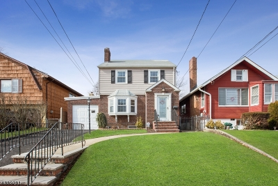 Belleville Twp. Single Family Home For Sale: 429-431 Franklin Ave