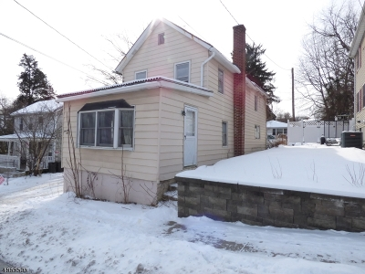 Newton Town Single Family Home For Sale: 74-A Trinity St