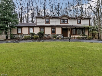 Scotch Plains Twp. Single Family Home For Sale: 8 Wedgewood Way