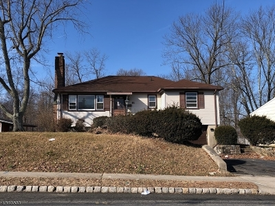 West Caldwell Twp. Single Family Home For Sale: 81 Fairfield Ave