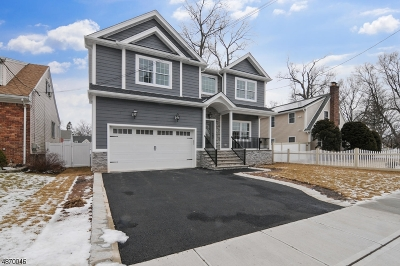 Union Twp. Single Family Home For Sale: 750 Midland Blvd