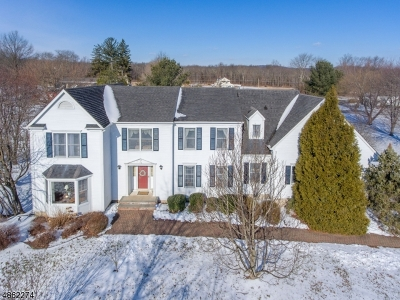 Union Twp. Single Family Home For Sale: 16 Wolf's Farm Road