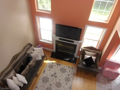 Readington Twp. Condo/Townhouse For Sale: 105 Spring House Dr