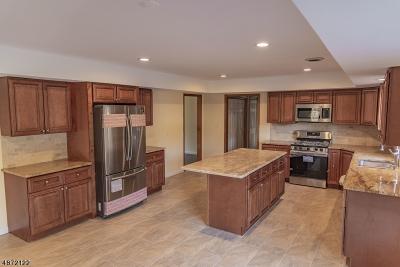 Branchburg Twp. Single Family Home For Sale: 402 Michael Ct