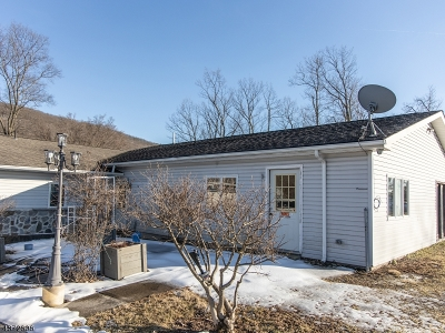 Hardyston Twp. Single Family Home For Sale: 4431 Rudetown Rd