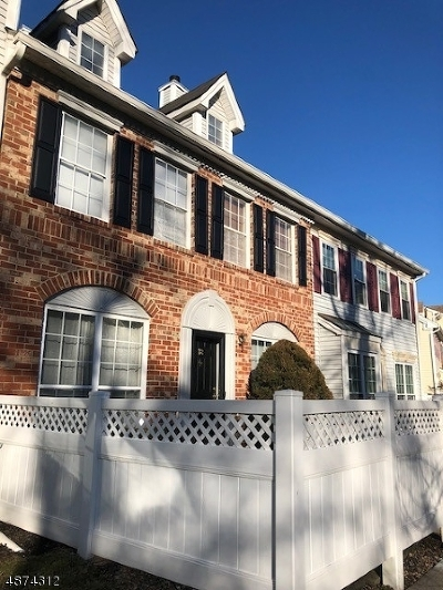 Branchburg Twp. Condo/Townhouse For Sale: 318 Red Crest Ln
