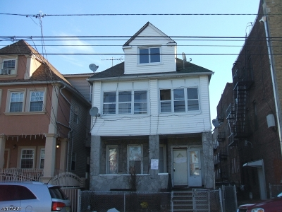 Passaic City Multi Family Home For Sale: 40 Myrtle Avenue