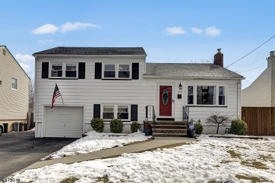 Union Twp. Single Family Home For Sale: 675 Colonial Arms Rd