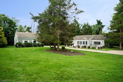 Warren Twp. Single Family Home For Sale: 4 Maple Dr