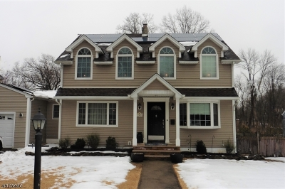 Wayne Twp. Single Family Home For Sale: 28 Pleasant Vw Dr