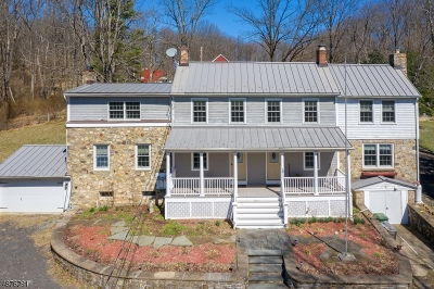 Holland Twp., Milford Boro Single Family Home For Sale: 310 Shire Rd